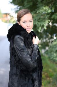 photo Welovefurs-Fur-Vest-3_zps2cc79d8d.jpg