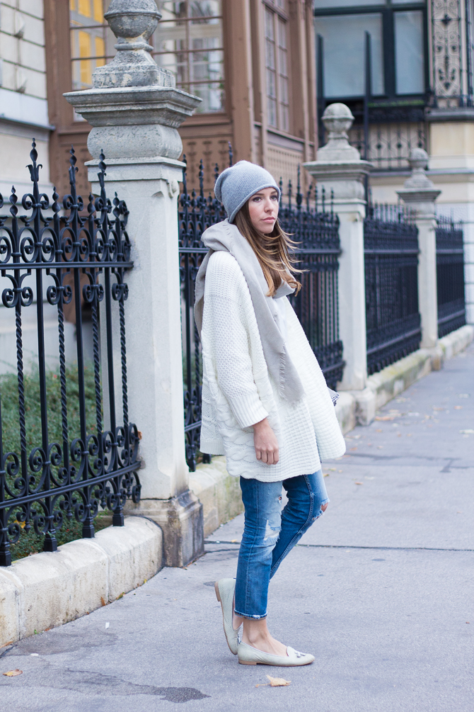 Cozy-Cardigan-Winter-White-3