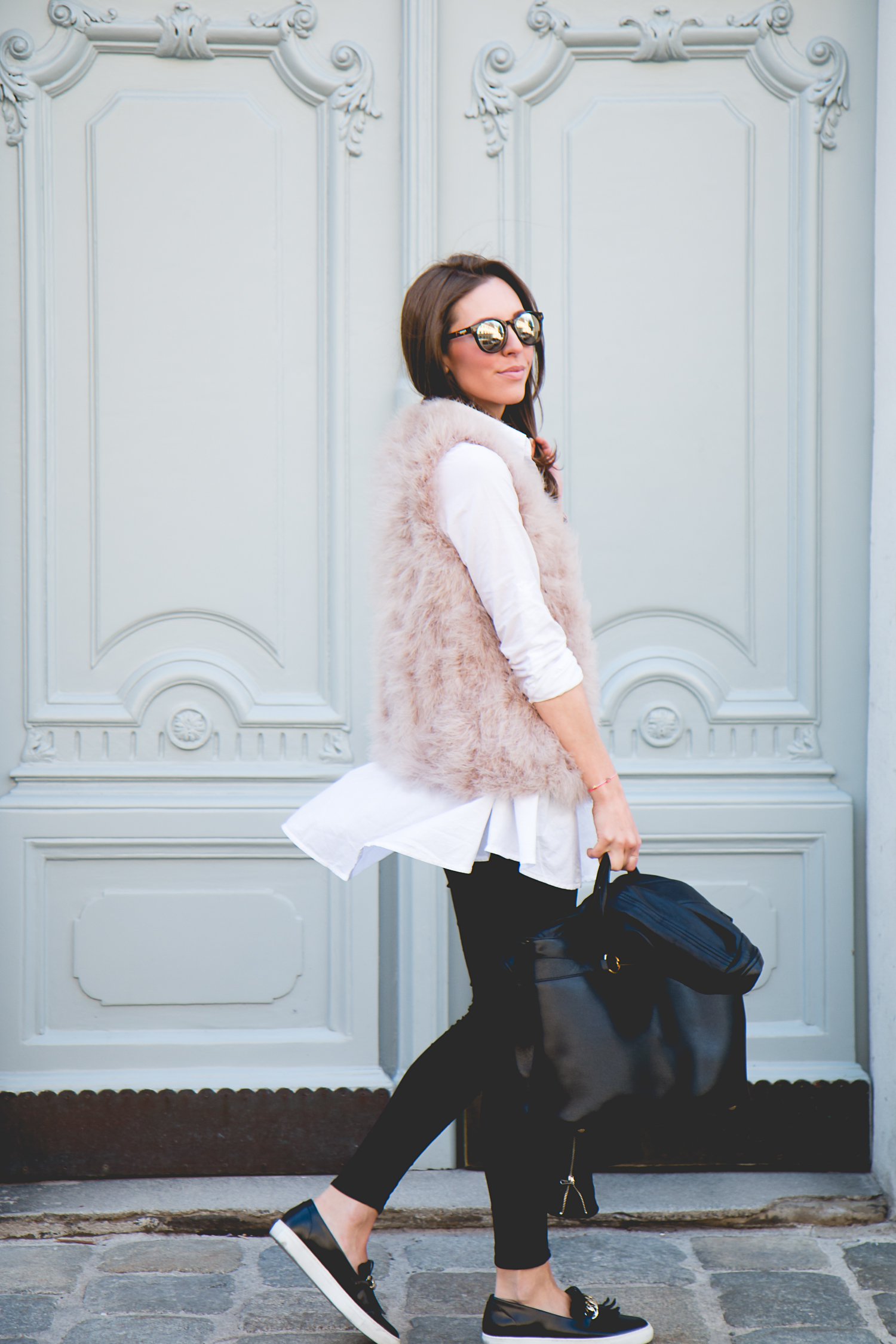 Fluffy-Vest-Gucci-Bag-2