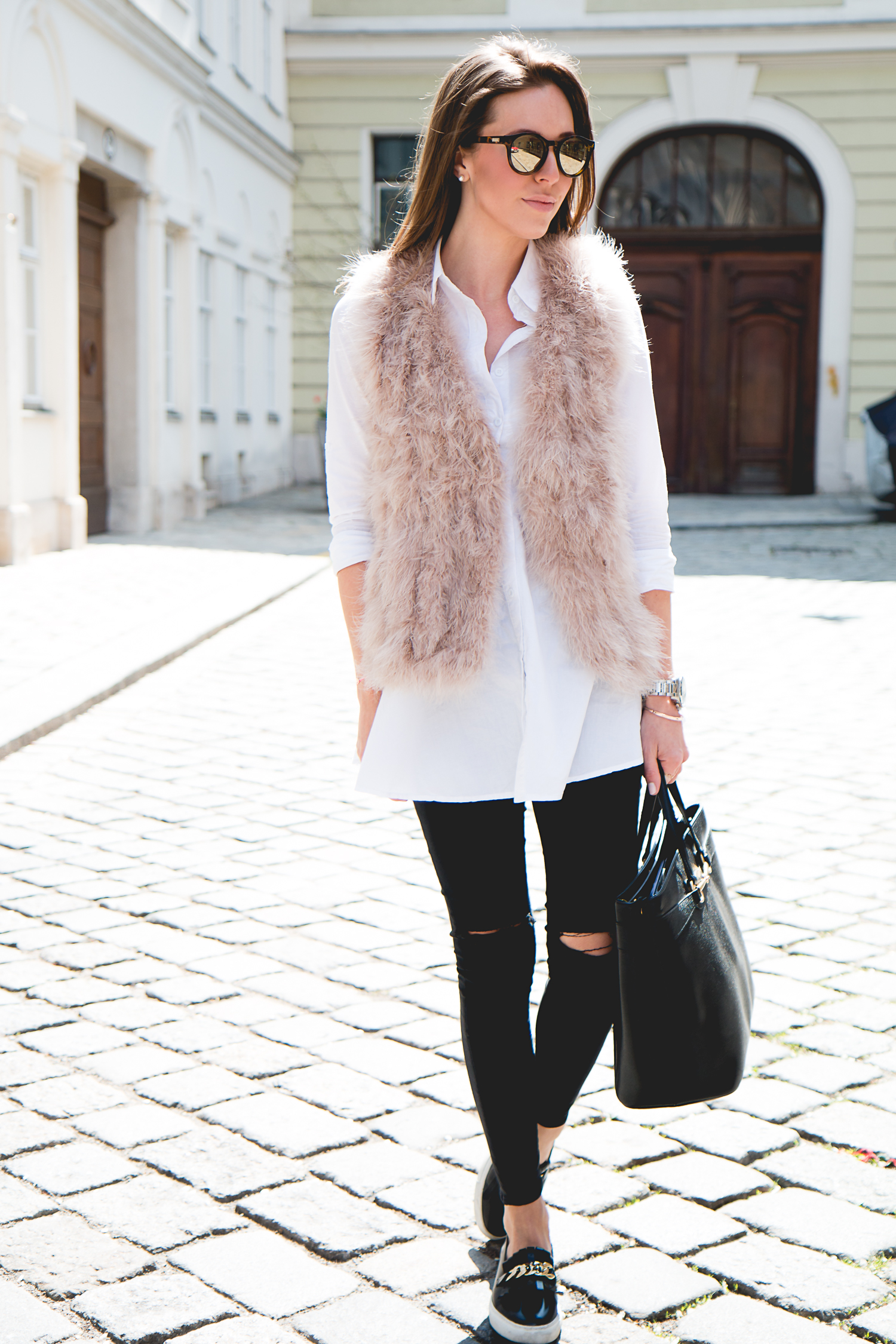 Fluffy-Vest-Gucci-Bag-6