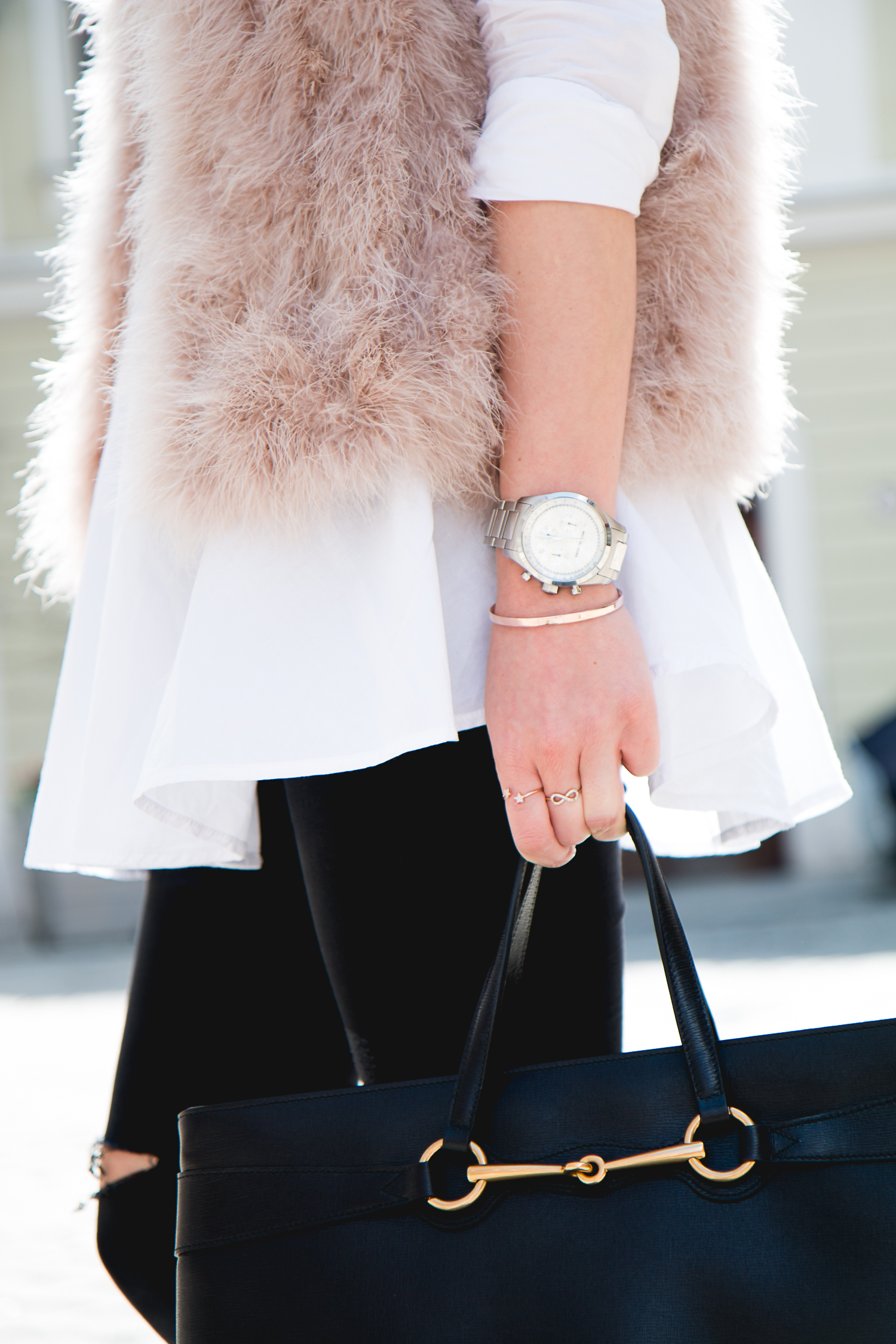 Fluffy-Vest-Gucci-Bag-8