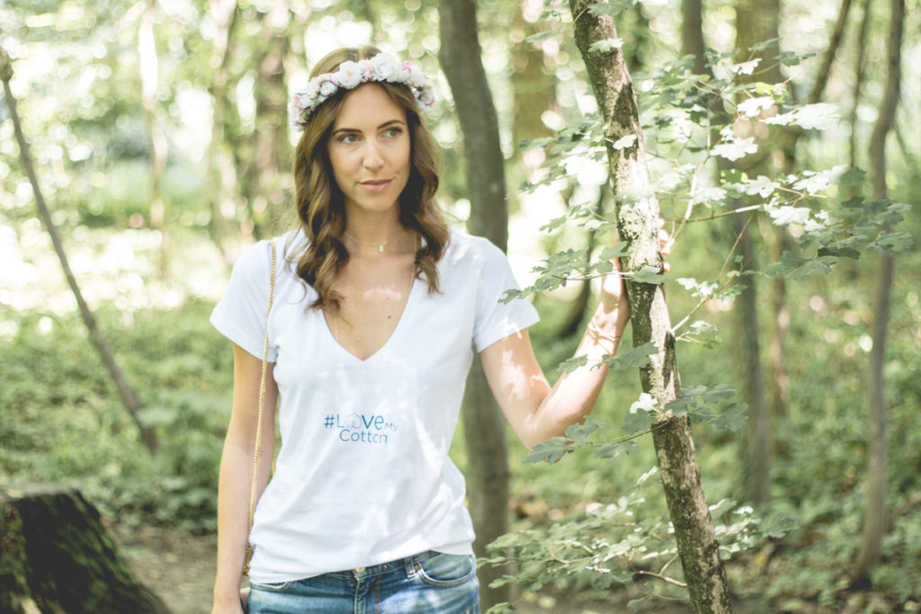 Love My Cotton USA | Simple Shirt, Flower Crown & Denims
