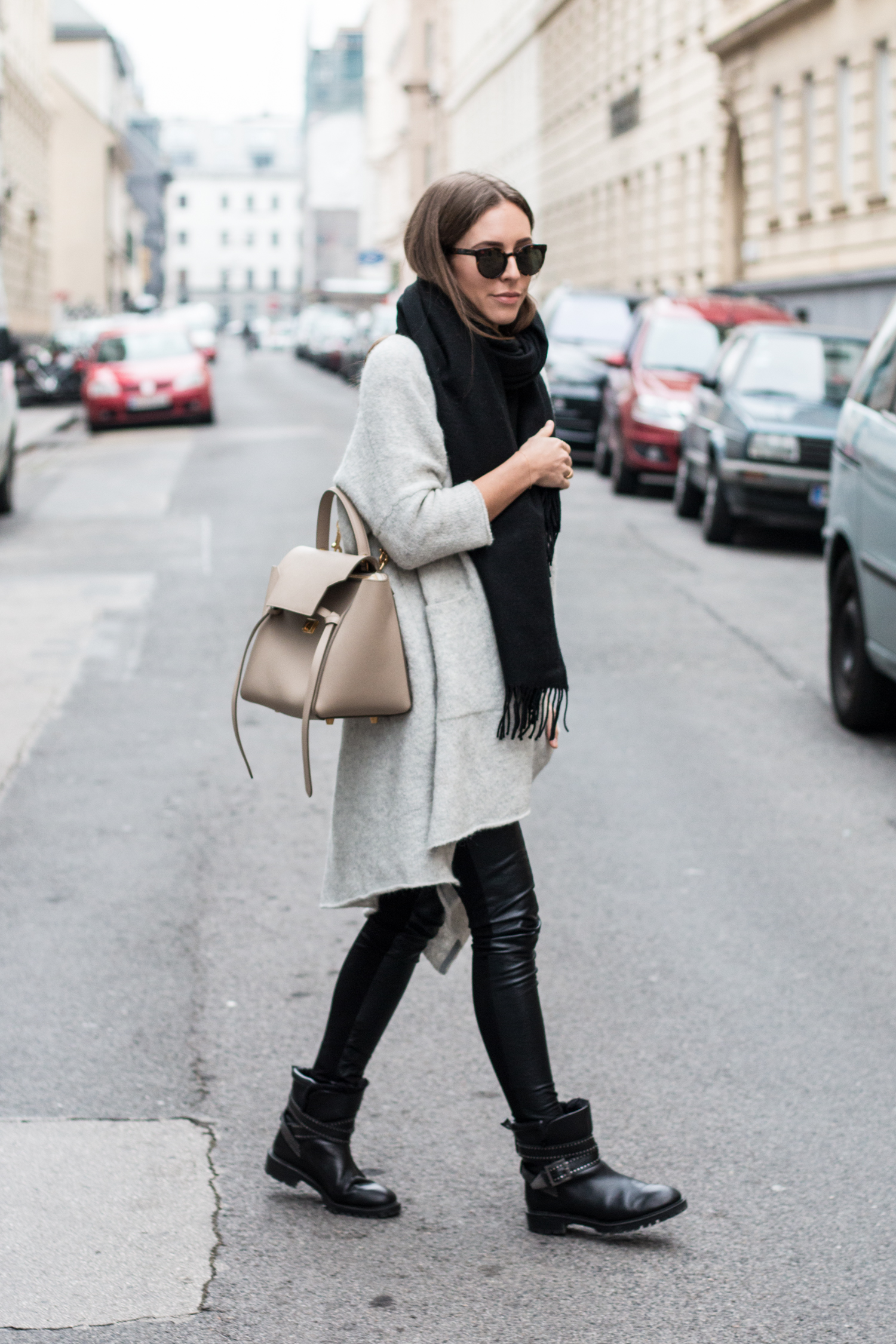 simple-winter-neutrals-celine-belt-light-taupe-3