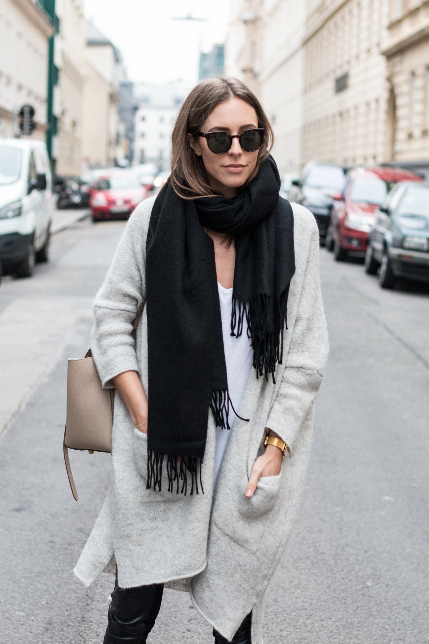 simple-winter-neutrals-celine-belt-light-taupe-5